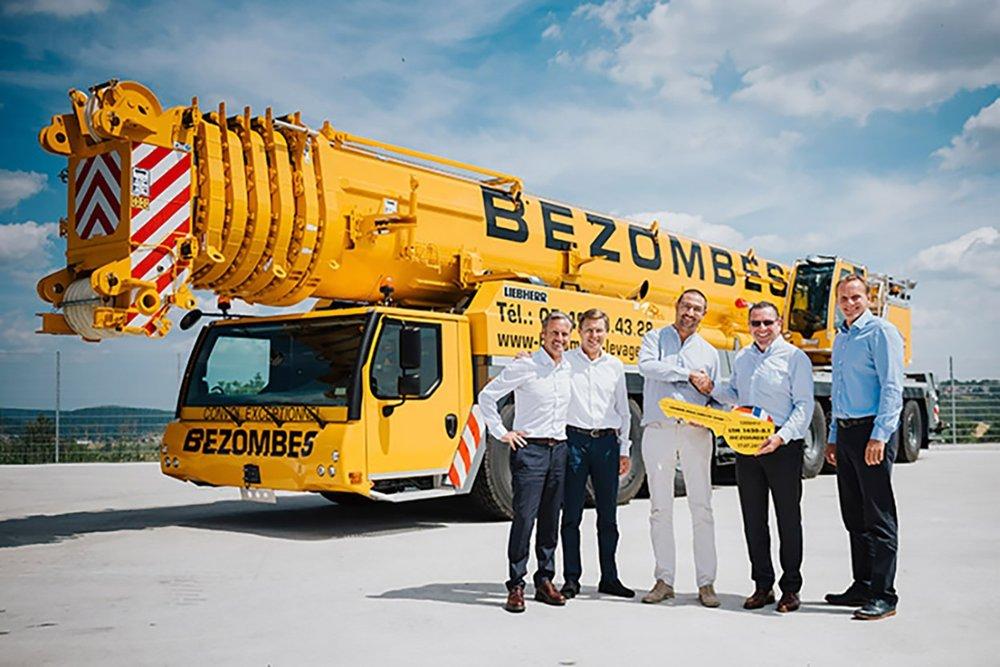 Liebherr delivers one hundredth LTM 1450-8 1 mobile crane to